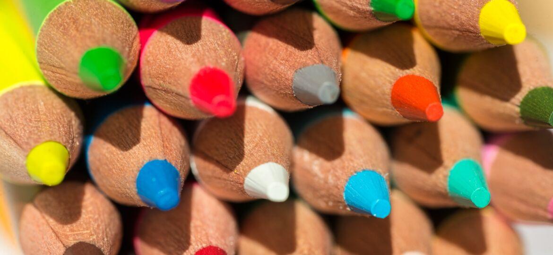 Bild von Kathleen Bergmann auf Pixabay_colored-pencils-3869241_1920