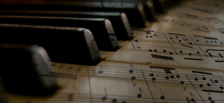 music-279333_1920